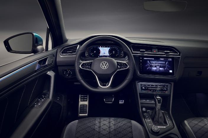 Салон рестайлингового VW Tiguan